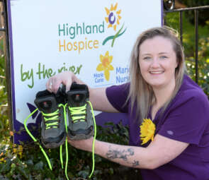 Hospice Nurse 'Steps Out' in Memory of her Mum image
