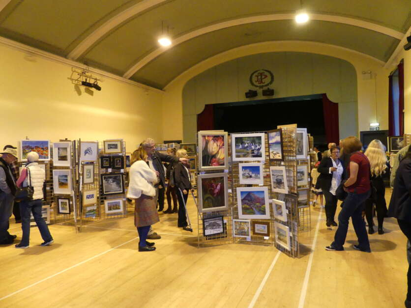 Aird Fundraising Group Organise Art Exhibition and Sale for Hospice image