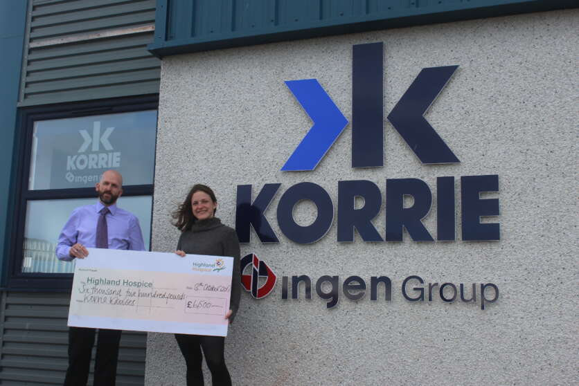 ​  Korrie's Donnie Fraser Memorial Trophy Raises Hospice Funds image